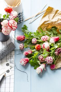 bouquet avec des radis roses Pain Garni, Marie Claire, Sandwich Cake, Cute Food, Afternoon Tea, Great Recipes, Buffet, Gift Wrapping, Baby Shower