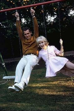 Paul Newman and Joanne Woodward at home, Hollywood CA, 1965.
