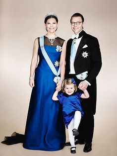 Scene-Stealing Princess Estelle of Sweden Kicks up Her Heels in Adorable Royal Family Photo! http://www.people.com/people/package/article/0,,20395222_20954950,00.html