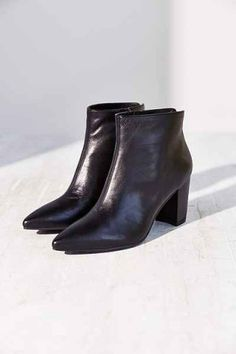 Loving these Vagabond Saida Leather Ankle Booties with the perfect heel height!