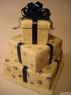 Like the idea of the cake looking like presents