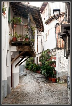 Hervás Architecture Drawing Plan, Architecture Old, Beautiful Places To Visit, Beautiful World, Places To Travel, Places To Go, Photo Dream, Spanish Towns, Heavenly Places