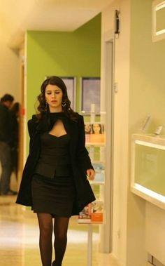 Turkish Pop, Cartier Jewelry, Turkish Beauty, Samar, Clothing Hacks, Libra, Short Dresses, Actresses, Formal