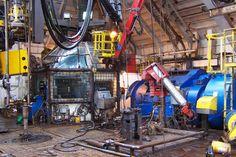 rig floor - bedrock images Water Well Drilling, Drilling Rig, Boat Transport, Oil Rig Jobs, Oilfield Trash, Welding Gear, Oil Platform, Gas Turbine, Oil Refinery