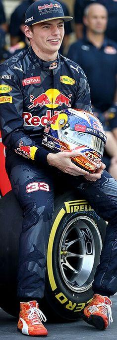 Racing Helmets, F1 Racing, Racing Team, Red Bull F1, Red Bull Racing, Formula 1, Aryton Senna, Helmet Visor, Daniel Ricciardo
