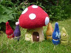 Crochet Doll Toys Free Patterns: Crochet Dolls, Crochet Toys for Girls, Amigurumi Dolls Free Patterns, Crochet Doll Carrier Crochet Fairy, Crochet Home, Crochet Crafts, Crochet Projects, Free Crochet, Kids Crochet, Crochet Amigurumi, Amigurumi Patterns, Amigurumi Doll