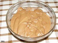 «Тафита» - очень вкусный крем для тортов и пирожных. Отлично сочетается с шоколадными коржами, орехами, черносливом, вишней. Плюс подходит для украшения, так как хорошо держит форму. Ингредиенты:  Шо…