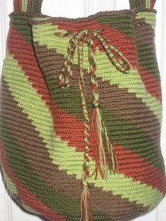 handcrafted by Pattygloria circular base crochet bag