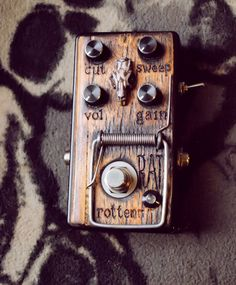 The Rotten Rat distortion effect guitar bass by MadElephantShop Diy Guitar Pedal, Guitar Rig, Cigar Box Guitar, Guitar Shop, Music Guitar, Cool Guitar, Bass Guitars, Guitar Players, Bass Pedals