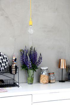KOTIPALAPELI, interior design, home accessories, copper lamp, greens, glowers