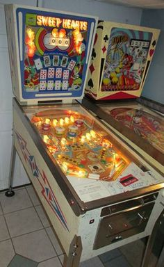 Arcade Game Machines, Arcade Games, Vending Machines, Flipper Pinball, Pinball Wizard, Penny Arcade, Games Images, Vintage Games, Old Pictures