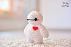 llavero Baymax Big Hero 6 Knitting For BeginnersCrochet For BeginnersCrochet PatternsCrochet Amigurumi Kawaii Crochet, Crochet Disney, Cute Crochet, Crochet Crafts, Yarn Crafts, Crochet Projects, Doilies Crochet, Decor Crafts, Crochet Animal Patterns