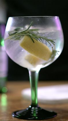 Tanqueray and Tonic How about starting the weekend enjoying a drink from the World Class Drink Festi Cocktails, Cocktail Drinks, Alcoholic Drinks, Gin Cocktail Recipes, Beverages, Gin Recipes, Alcohol Drink Recipes, Tonic Drink, Vegetable Drinks