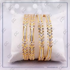 Jewellery Designs, Gold Jewellery, Bridal Jewelry, Gold Pendant, Pendant Jewelry, Sita Ram, Pakora Recipes, Indian Jewelry Sets, Gold Bangles Design