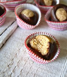 Almond Butter Buckeyes - Made with coconut cream concentrate. Makes a great gift or party food! Coconut Recipes, Cream Recipes, Paleo Recipes, Healthy Treats, Healthy Desserts, Eating Healthy, Healthy Living, Clean Eating, Coconut Cream