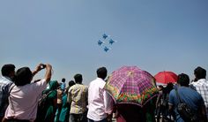 Русские витязи   в небе Бангалора При заходе на посадку группа выполнила чисто символический пилотаж в виде группового разворота Русские витязи,Бангалор,Aero India-2013,  russian planes in sky of Bangalor