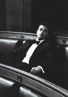 Richard Armitage: Esquire UK 2013 {x} {x}