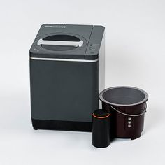 The Food Cycler Platinum Indoor Food Recycler is the environmentally friendly food composter! #foodcycler #foodrecycler #foodcomposter #recycler #composter #food