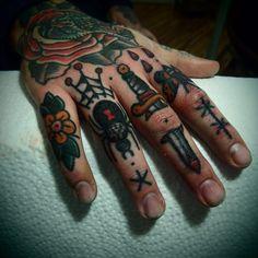 fuckyeahhandtattoos:  Hand: Franz Stefanik Fingers: Bastien Jean