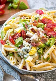 Cobb Pasta Salad is the perfect summer meal alongside a cold refreshing glass of iced tea! Loaded with juicy tomatoes, crisp bacon, avocados and cheese, this pasta salad can save the day at dinner time or be the star dish at any picnic or potluck spread! Orzo, Tortellini, Potluck Recipes, Cooking Recipes, Healthy Recipes, Cooking Kale, Potluck Ideas, Cooking Bacon, Summer Recipes