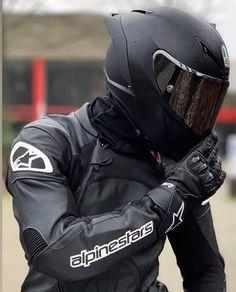 Retro Motorcycle Helmets, Motorcycle Suit, Women Motorcycle, Yamaha Bikes, Honda Motorcycles, Vintage Motorcycles, Biker Photography, Cb 1000, Bike Photoshoot