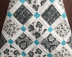 Modern Baby Quilt Black White and Teal Colors 2019 Again this is so simple but I love it. Another black white and teal quilt. So very graphic. The post Modern Baby Quilt Black White and Teal Colors 2019 appeared first on Quilt Decor. Quilting Tips, Machine Quilting, Quilting Projects, Quilting Designs, Sewing Projects, Quilting Room, Modern Quilting, Patch Quilt, Quilt Blocks