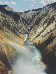 The world is so beautiful. go see it. Life Is Beautiful, Beautiful Places, Beautiful Pictures, Yellowstone National Park, National Parks, United States Travel, Travel Photographer, Wyoming, Beautiful Landscapes