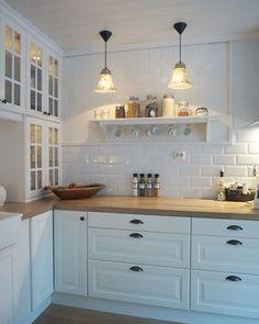 Kitchen ideas 2018 ikea 69 New ideas Kitchen Ikea, Home Decor Kitchen, Interior Design Kitchen, Country Kitchen, Home Kitchens, Kitchen Dining, Kitchen Cabinets, Dining Rooms, Glass Cabinets