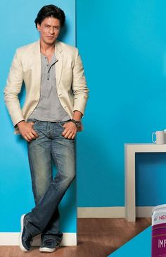 Embedded image permalink-Shah Rukh Khan in the latest Nerolac ad.