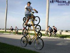 Essa bike só pessoas equilibradas podem usar...