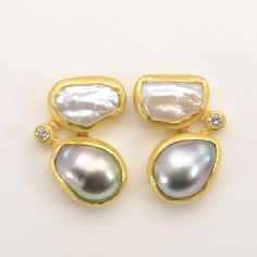 Petra Class at Patina Gallery. Earrings, Earrings with One Sweetwater Pearl and One Dark Gray Keishi Pearl & Diamond, Post, Metal Clay Jewelry, Stone Jewelry, Pearl Jewelry, Jewelry Art, Jewelery, Fashion Jewelry, Jewelry Design, Pearl Earrings, Unusual Jewelry