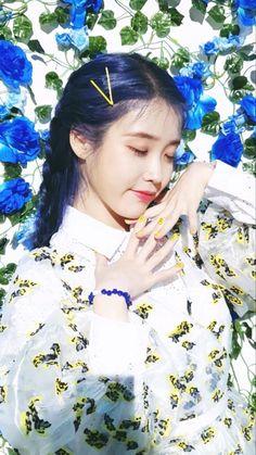 Iu Moon Lovers, Pretty Korean Girls, Kdrama Actors, Pretty Wallpapers, Just Girl Things, Korean Celebrities, Korean Beauty, Me As A Girlfriend, Korean Singer