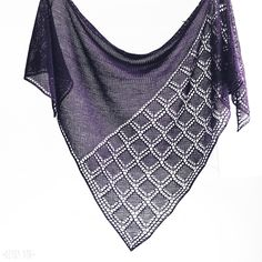 Стильная фиолетовая шаль