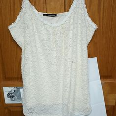 Cream lace tank top Cream colored lace tanktop Maurices Tops Tank Tops
