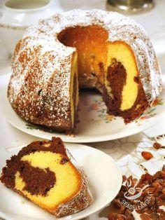 Provate il Ciambellone variegato vaniglia cacao e uvetta: è un concentrato di genuinità e gusto rustico, buonissimo come le torte della nonna!