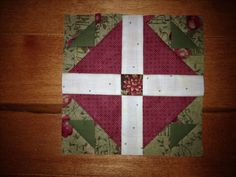 Hen and Chicks Hens And Chicks, Tree Skirts, Quilt Blocks, Christmas Tree, Quilts, Blanket, Holiday Decor, Home Decor, Homemade Home Decor