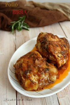 Chicken beer in a pan Beer Recipes, Best Dinner Recipes, Chicken Recipes, Cooking Recipes, Beer Chicken, Tandoori Chicken, Fish And Meat, Romanian Food, Italian Recipes
