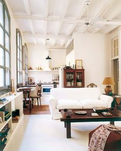 Spanish loft found on Automatism, originally published in Mi Casa