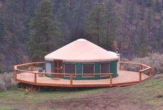 Pretty yurt in the woods. Casa Octagonal, Pacific Yurts, Yurt Interior, Interior Walls, Yurt Home, Yurt Living, Gypsy Living, Architecture Design, Pole Barn Homes