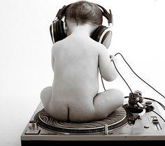 Phương pháp nghe nhạc cho trẻ sơ sinh