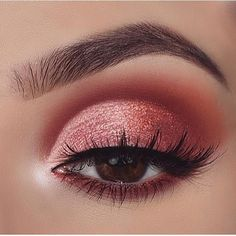 Pretty eye makeup for brown eyes