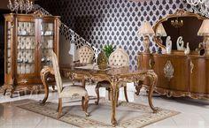 Sandalye ayakları ve kolları da oyma desenler ile işlendi. Asortie müşterilerine özel yapılan Bedesten klasik yemek odası takımı, istenilen ölçü ve renkte üretilebiliyor.  http://www.asortie.com/yemek-odasi-126-Bedesten-Klasik-Yemek-Odasi