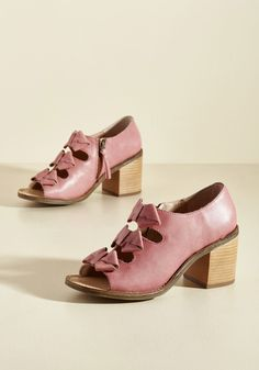 Spring Trends - Just Bows to Show Leather Heel in Dusty Rose