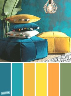 ▷ 1001 + secrets pour réussir la déco jaune moutarde idea what color to associate with navy blue, ethnic decoration in a living room with dark blue walls with mustard yellow accessories Living Room Color Schemes, Blue Color Schemes, Peacock Color Scheme, Color Blue, Cores Art Deco, Mustard Living Rooms, Mustard Yellow Decor, Mustard Color Scheme, Mustard Yellow Bedrooms