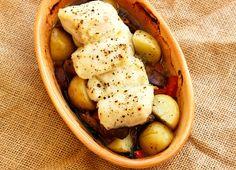 Potato & fish bake Humble Potato, Baking Recipes, Easy Meals, Challenge, Potatoes, Fish, Vegetables, Hot, Cooking Recipes