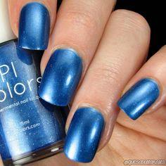 Blue Nail Polish with White Glitter and Chrome Finish Pale Pink Nails, Purple Nail Polish, Nail Polish Colors, Blue Nails, White Nails, Gel Polish, Acrylic Nails Coffin Short, Luxury Nails, White Glitter