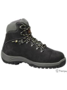Cosmos, Hiking Boots, Shoes, Fashion, Sport Outfits, Work Wear, Footwear, Boots, Sports