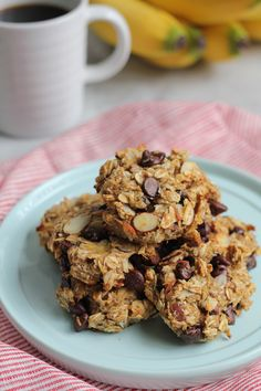 No butter, no eggs, no sugar but packed with nutrition and natural sweetness, these Skinny Banana Oat Flaxseed Cookies are just waiting to be baked! Healthy Baking, Healthy Desserts, Dessert Recipes, Banana Oats, Banana Bread, Skinny, Cookies Et Biscuits, Food And Drink, Cooking Recipes