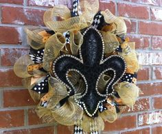WHO DAT NATION gameday wreath now available!  If you'd like to place a custom order for your NFL team please contact us on Etsy!     Ready To Ship New Orleans Saints Mesh and by SouthernFCreations, $80.00