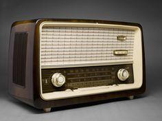 Retro radio design